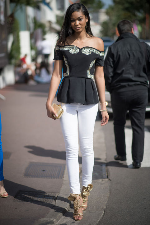 chanel-iman-cannes-street-style-off-the-shoulder-top-h724