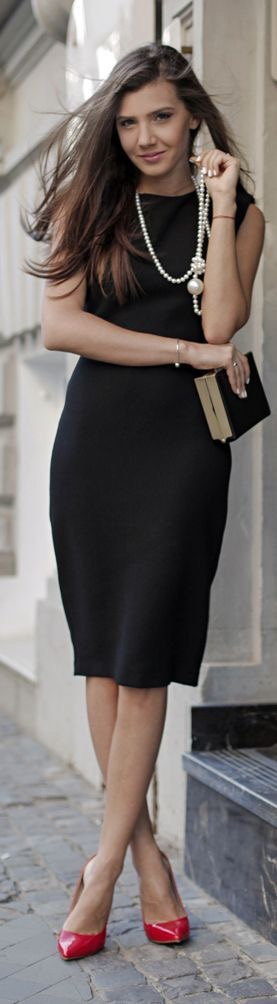 black sheath dress Fall 2015
