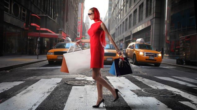 3d-abstract_hdwallpaper_woman-in-a-red-dress-shopping-in-nyc_32238