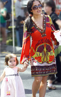 Salma-Hayek-030109-Hale-Bob-Dress-Print-Sleeves-Silk-Cute-L