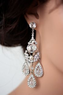 chandelier-earrings